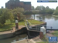 Camera at Avon Lock Severn Level